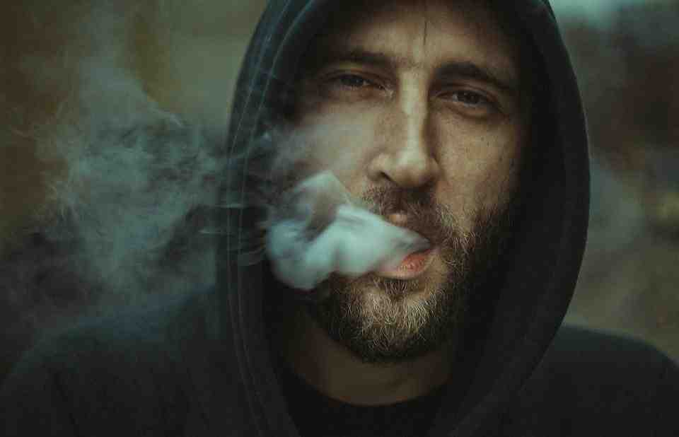Pourquoi fumer avec un Porte-cigarette ?